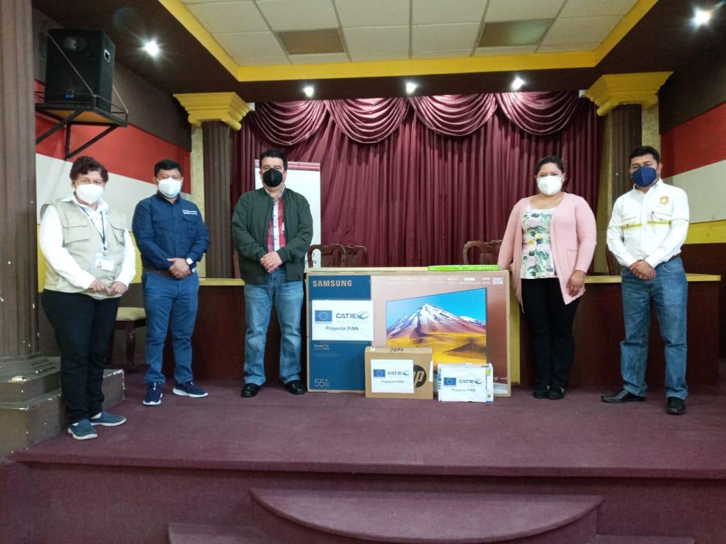 Proyecto PINN/CATIE/UNIÓN EUROPEA, realizan entrega de un Equipo de aula virtual a la Municipalidad de Totonicapán