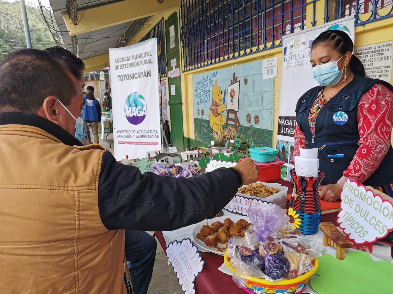 Participación de la Agencia de Extensión Rural en Evento de la Gran Cruzada Nacional por la Nutrición en coordinación con los miembros de la COMUSAN del Departamento y Municipio de Totonicapán. EORM Aldea Barraneche